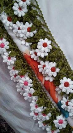 HUZUR SOKAĞI (Yaşamaya Değer Hobiler) Crochet Flowers, Crochet Lace, Crochet Stitches, Crochet Patterns, Creative Embroidery, Hand Embroidery, How To Store Scarves, Saree Kuchu Designs, Christmas Scarf