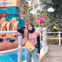 Casual Hijab Outfit, Ootd Hijab, Hijab Chic, Street Hijab Fashion, Muslim Fashion, Trendy Outfits, Fashion Outfits, Girls Dpz, Random
