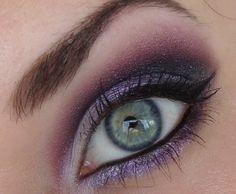 Purple makeup. @Marisa McClellan McClellan McClellan McClellan Morales I'm gonna try this for meeting tonight! :D