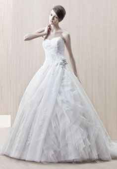 #wedding #princess  I love the ballgown fairytale princess dresses!!!