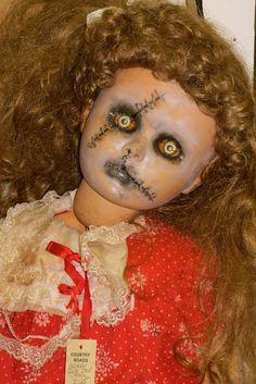 """creepy doll """"look in my eyes"""""""