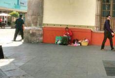Reubica municipio a artesana de la tercera edad que comerciaba en Carranza