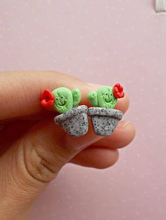 Desert cactus earrings created from polymer clay without molds or forms, with suculent cactus. The lenght of each earring is 1.2 cm. ❀ Price is for one pair of earrings. ❀ I ship the orders very quickly, in 1 to 3 days after I receive your order. I ship them with priority mail and the