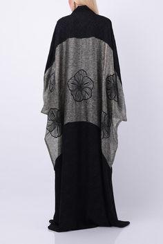 Abaya by Bourgeois Design Niqab Fashion, Modest Fashion, Fashion Dresses, Caftan Dress, Kaftan, Abaya Pattern, Modern Abaya, Black Abaya, Hijab Trends