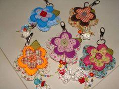 Chaveiro flor de tecido Fabric flower key ring