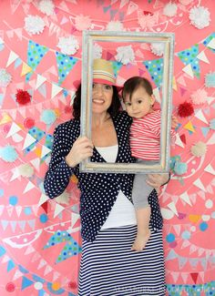 homeade photo booth- idea for kids party
