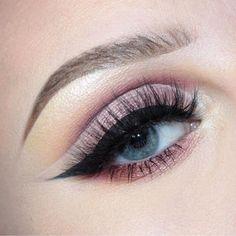 Un maquillage cut crease rose léger Makeup Goals, Makeup Inspo, Makeup Inspiration, Makeup Tips, Make Up Looks, Prom Makeup, Wedding Makeup, Maquillage Cut Crease, Brow Powder