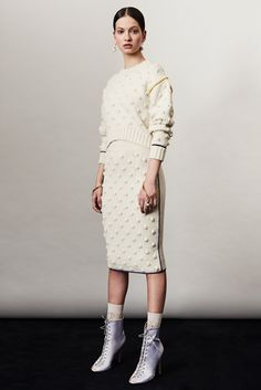See the complete Francesco Scognamiglio Pre-Fall 2017 collection.