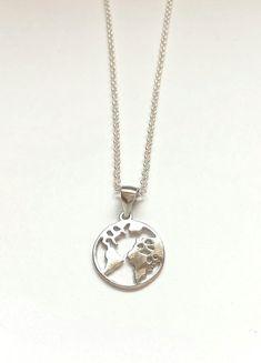 48e8b04d3ee1 Cadena de plata bola del mundo en plata tendencia complementos Cadenas De  Plata