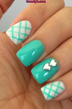 to Remove Acrylic Nails (With And Without Acetone) Safely? Turquoise and white nails. Love the plaid design and solid color with heartsTurquoise and white nails. Love the plaid design and solid color with hearts Simple Nail Art Designs, Cute Nail Designs, Pretty Designs, Cute Nail Art, Easy Nail Art, Fancy Nails, Pretty Nails, Teal Nails, Nails Turquoise