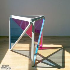 Prism type table