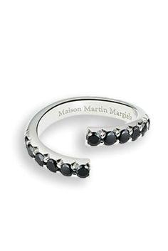 Maison Martin Margiela ┃ Split ring in hale-pavé black diamonds