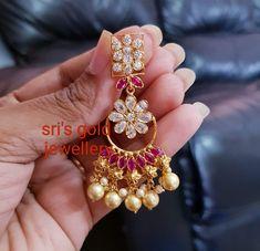 Saved by radha reddy garisa India Jewelry, Gems Jewelry, Wedding Jewelry, Jewelery, Gold Jewellery, Gold Jhumka Earrings, Funky Earrings, Simple Earrings, White Gold Jewelry
