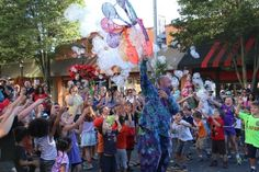 Seattle News, West Seattle, Summer Fest, Fair Grounds, Entertaining, Activities, Funny, Entertainment