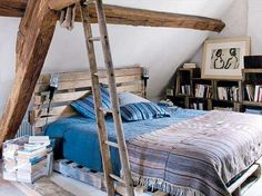 Pallets Recycled 42 DIY Recycled Pallet Bed Frame Designs - Page 2 of 6 - Easy Pallet Ideas - This collection of 42 DIY pallet bed ideas which are here to get you inspired of wooden creativity and pallet wood recycling to make pallet projects. Pallet Bedframe, Wooden Pallet Beds, Diy Pallet Bed, Pallet Ideas Easy, Pallet House, Wood Pallet Furniture, Home Furniture, Diy Ideas, Bed Pallets