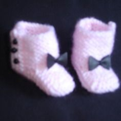 Bottines roses et noires en tricot  pour poupée les chéries de corolle
