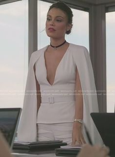 Cristal's white v-neck caped jumpsuit on Dynasty Fashion Tv, Fashion 2017, Fashion Outfits, Estilo Miranda Kerr, Salon Wear, Der Denver Clan, Dynasty Clothing, Cape Jumpsuit, Nathalie Kelley
