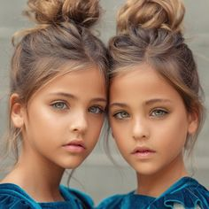 You surely must have seen photos of these twins somewhere. They were regarded at one time as the world's most beautiful twins and received many modelling assignments even when they were babies. World Most Beautiful Girl, Beautiful Little Girls, World's Most Beautiful, Beautiful Children, Beautiful Eyes, Beautiful Babies, Little Girl Models, Child Models, Twin Models