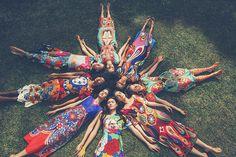 inspirada no festival da índia essa mini-coleção traz o poder da cor em maxi estampas!