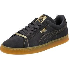 <p>Meet the Suede. It's been kicking around for a long time. From '60s basketball warm-up shoe to '90s hip-hop kick, it's been worn by greats across generations and made its mark on a range of different scenes. All smooth suede, streetwise swagger, and sport-inspired style, it remains to this day PUMA's most epic sneaker icon. This version is printed with gold foil for an extra edge.</p><p>Features:</p><ul><li>Suede upper with gold foil detailing</li><li>Lace…