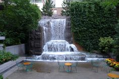 Greenacre Park on the city's east side offers an outdoor café, seating, a large waterfall and heat lamps during winter weather. It is on the Project for Public Space's list of Best Parks in the World.