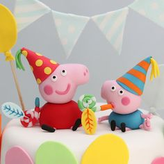 Peppa Pig and George Pig birthday cake Pig Birthday Cakes, Boy Birthday Parties, Tortas Peppa Pig, Peppa Pig Party Supplies, Pig Cookies, George Pig, Fondant Figures, Crafts, Papa Pig