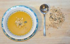 This usually just involves whatever you have in your vegetable drawer over winter. Don't be too strict with your choice of ingredients, just enjoy the soup when it's ready. This versi…