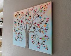 THIS TREE IS MADE OF ALL BUTTONS!!