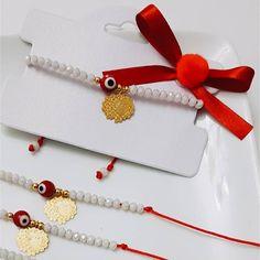 Llego navidad borreguitos 🐑🐑🐑#joyeriamexicana #perlasderio #cristal #cuarzo #RebecaAlvaJoyeria #chapadeoro #jewels #joyerias #bracelet… Custom Jewelry, Diy Jewelry, Jewelry Making, I Love Jewelry, Stone Jewelry, Wish Bracelets, Jewelry Bracelets, Seed Bead Jewelry, Beaded Jewelry