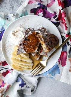 Irish Soda Bread French Toast with Whiskey Syrup and Whipped Cream. - How Sweet Eats Baby Breakfast, Good Morning Breakfast, Second Breakfast, Breakfast Time, Brunch Dishes, Brunch Recipes, Soda Bread, How Sweet Eats, Whipped Cream