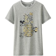 UNIQLO DISNEY PROJECT Short Sleeve Graphic T-Shirt ($6.41) ❤ liked on Polyvore featuring tops, t-shirts, short sleeve t shirts, graphic design t shirts, cotton t shirts, beach graphic tees and white graphic tees