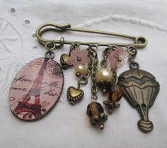 Kilt pin brooch - Eiffel Tower, Paris, hot air balloon, retro bronze amber