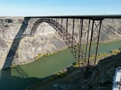 Perrine Bridge Twin Falls Idaho-Hayden went and watched people jump off this bridge. Places Ive Been, Places To Go, Twin Falls, Base Jumping, Walkways, Hd 1080p, Idaho, Bridges, Wonders Of The World