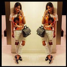 Estava anciosa para a chegada dessa calça na loja e finalmente chegou!!!!!Rsrs .... Top demais veste super bem e quem me conhece sabe que não sou muito adepta ao jeans, mas amei !!!!! # apaixonada#love#perfect#skazi