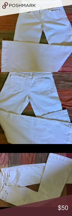 7 For All Mankind White Denim Trouser Perfect condition no rips no stains gently worn wide leg trendy jeans. ready for spring 7 For All Mankind Jeans Flare & Wide Leg