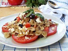 Farfalle con pesto di olive e feta