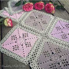 Crochet Squares Design DIY – Victorian Lattice Square o min variant av Lace Join Crochet Socks Pattern, Granny Square Crochet Pattern, Crochet Blocks, Crochet Motif, Crochet Lace, Easy Crochet Blanket, Crochet Bedspread, Crochet Pillow, Crochet Blanket Patterns
