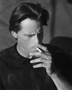 Sam Shepard by Bruce Weber for Vanity Fair, 1984 Cowboy Mouth, Men Smoking Cigarettes, Cigarette Men, John Barnes, Sam Shepard, Bruce Weber, True Detective, Man Smoking, American Poets