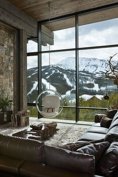 Rustic yet glamorous living space with amazing view. And a swinging chair! Rustic yet glamorous living space with amazing view. And a swinging chair! Chalet Interior, Interior And Exterior, Interior Design, Modern Interior, Country House Interior, Interior Paint, Floor To Ceiling Windows, Big Windows, Rustic Interiors