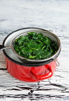 Placinta cu spanac si branza - Din secretele bucătăriei chinezești Seaweed Salad, Bruschetta, How To Dry Basil, Cooking Recipes, Herbs, Ethnic Recipes, Food, Pizza, Self