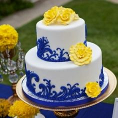 cake in blue and yellow