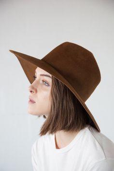 CLYDE - Wide Brim Pinch Hat in Bronze