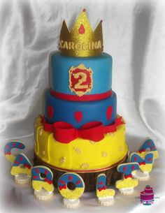 Snow White cake - Cake by CakesByPaula Snow White Cake, Carnival Cakes, 7 Dwarfs, White Cakes, Disney Cakes, Cake Art, Let Them Eat Cake, Cake Designs, Daily Inspiration