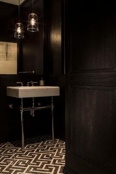 Moody, elegant, black and white bathroom in Chelsea, NYC by Michael Dawkins Home Bad Inspiration, Bathroom Inspiration, Interior Design Inspiration, Design Ideas, Black Powder Room, Powder Rooms, Chelsea Nyc, Black And White Marble, Decoration Originale