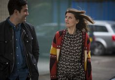Sharon from Catastrophe: Season episode zebra print dress, oversized sweater Boho Outfits, Casual Outfits, Sharon Horgan, Expensive Clothes, Pattern Mixing, Mixing Prints, Mom Style, Get Dressed, Style Icons