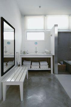 Salle de bains house- de piscine d'intérieur