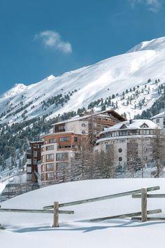 Skiurlaub im 4* S Hotel Bergwelt direkt an der Skipiste: Skifahren bis vor die Haustüre des Hotels. Hotel Berg, Das Hotel, Hotels, Snow, Outdoor, Ski Resorts, Ski Trips, Ski, Alps