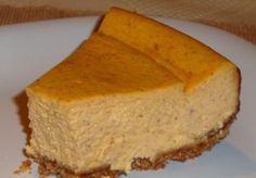 simple sweet potato cheesecake recipe Roasted Sweet Potato Cheesecake Recipe - Sweet potatoes and cheesecake are wonderful separately. They are even better together in this recipe! Sweet Potato Cheesecake, Cheesecake Recipes, Pie Recipes, Dessert Recipes, Fried Cheesecake, Simple Cheesecake, Sweet Potato Dessert, Fast Recipes, Cheesecake Bars