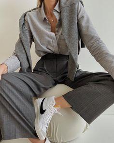 Mode Outfits, Fashion Outfits, Facon, Minimal Fashion, Fall Winter Outfits, Cute Casual Outfits, Aesthetic Clothes, Korean Fashion, Ideias Fashion