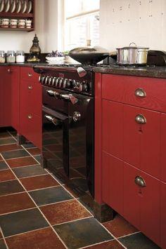 2014 : Tous les messages (Page - El' Lefébien Kitchen Items, Kitchen Decor, Beautiful Kitchens, Red And White, Kitchen Cabinets, Cottage, Decoration, Interior, Modern